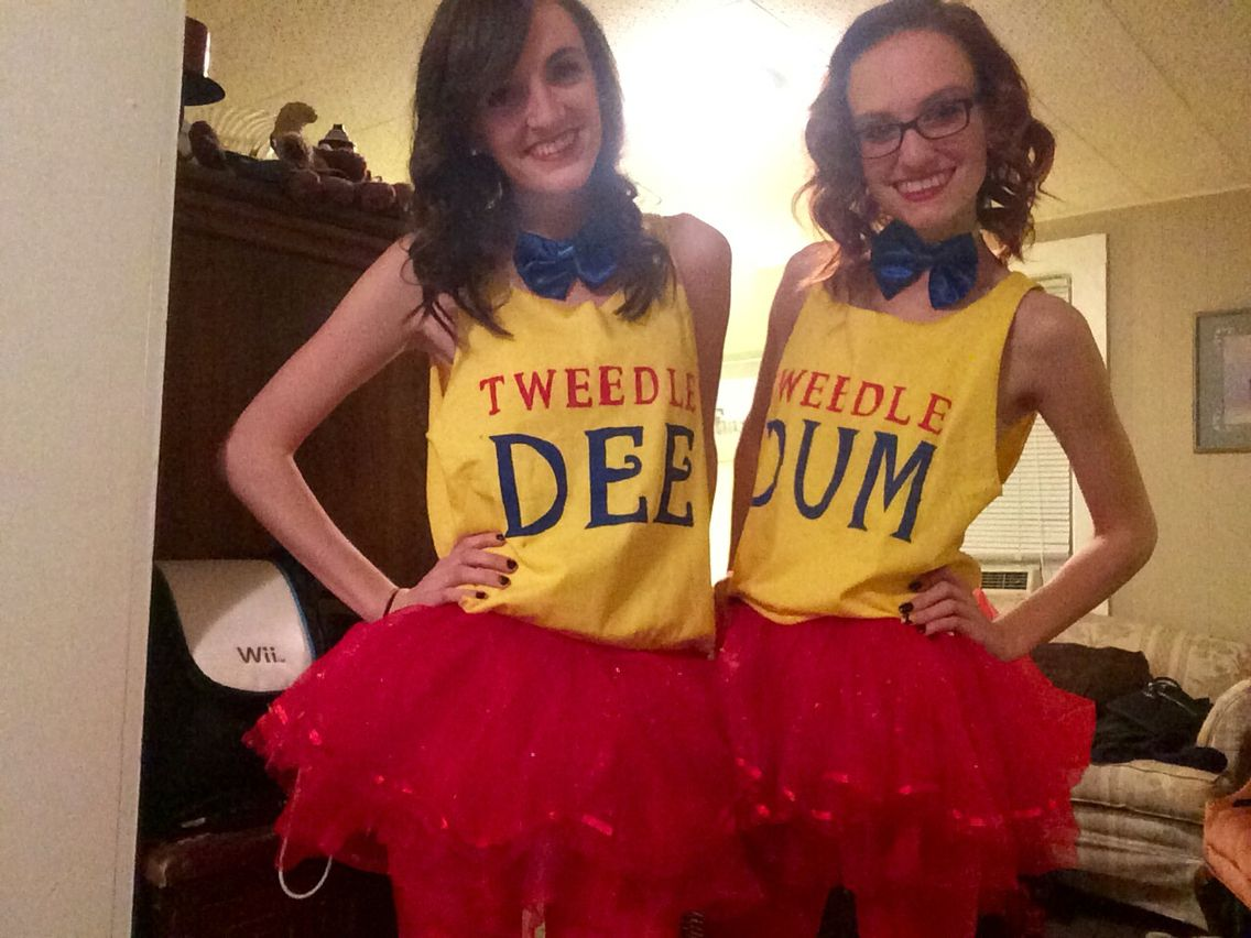 Cute Best Friend Halloween Costumes Ideas.Tweedle Dee And Tweedle Dum Diy Best Friend Costume My
