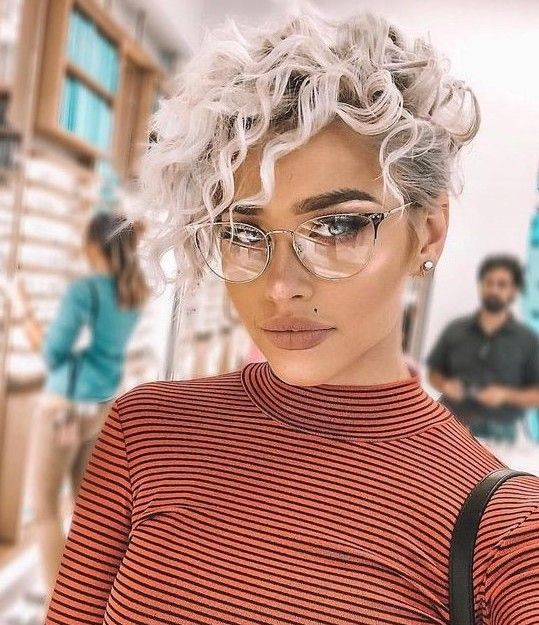 20 Trendy Pixie Haircut Women Can Refresh Your Sty
