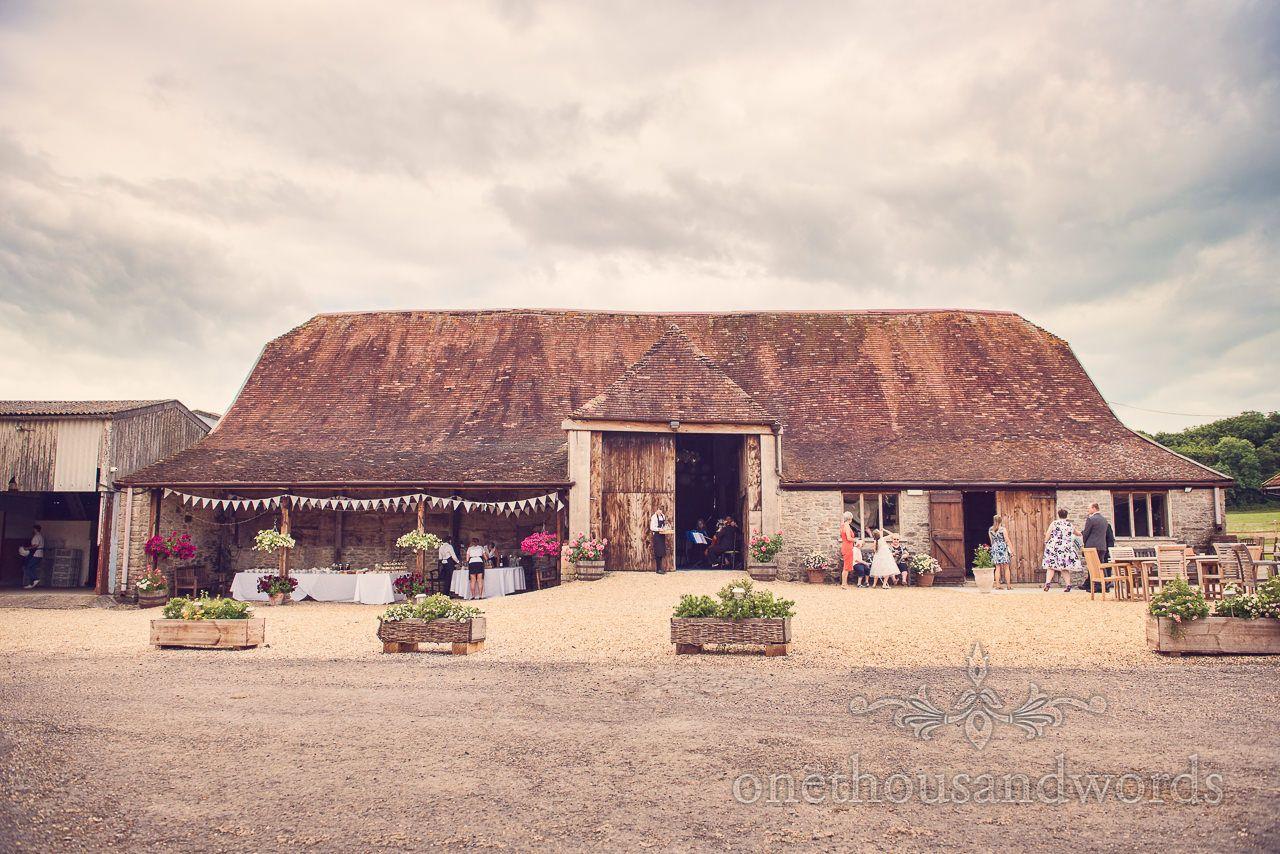 Stockbridge Farm Barn Wedding Venue Near Sherborne In Dorset Photography By One Thousand Words