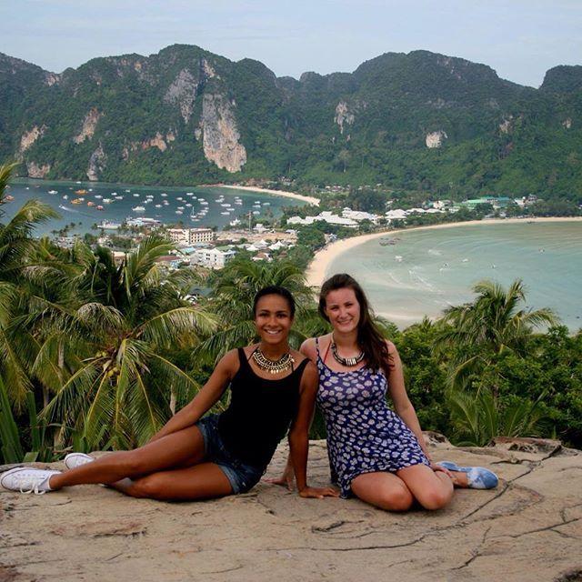 Girls fuckin on cancun beach — photo 1