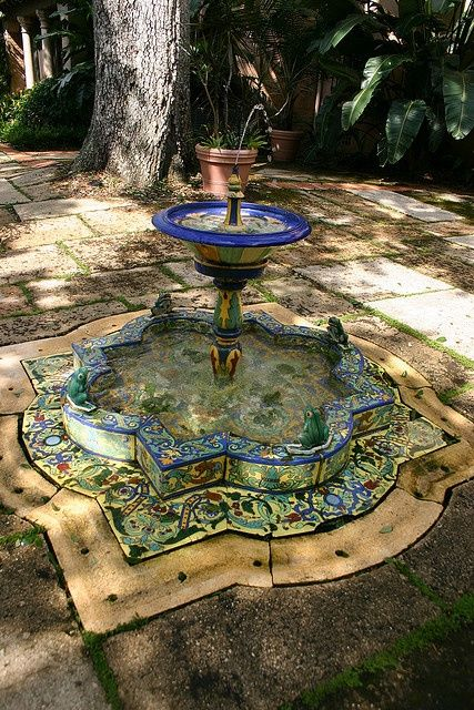 Talavera fountain mexico for the courtyard flowers for Mexican style outdoor fountains