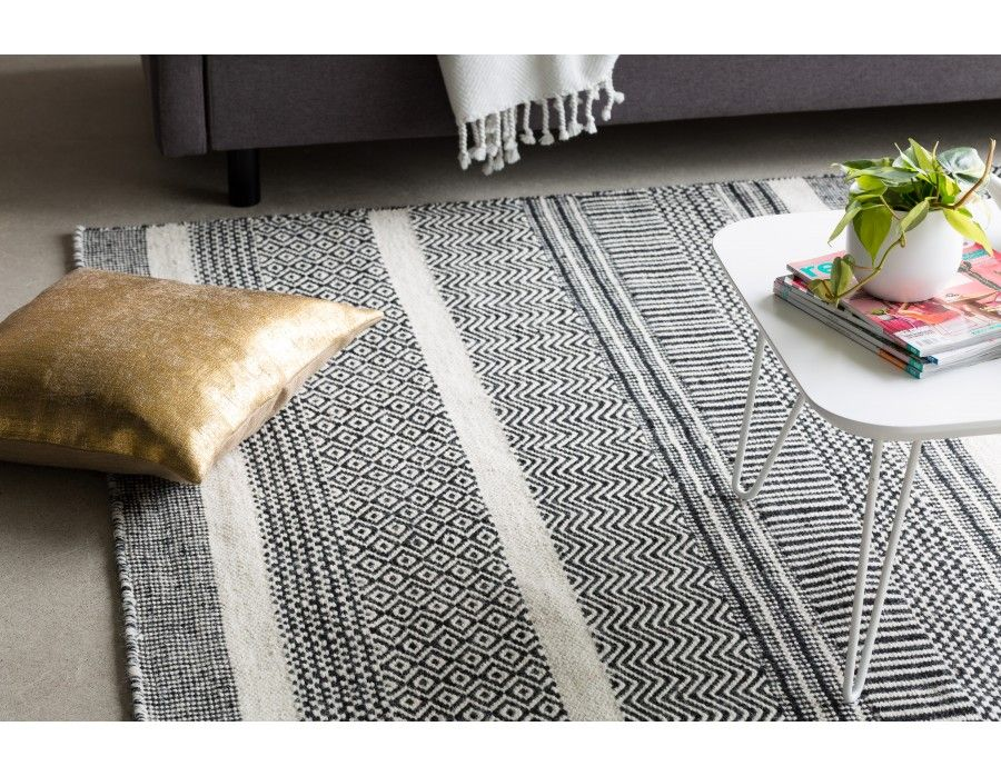 ALOHA Hand made wool rug 8' x 10' Black and White