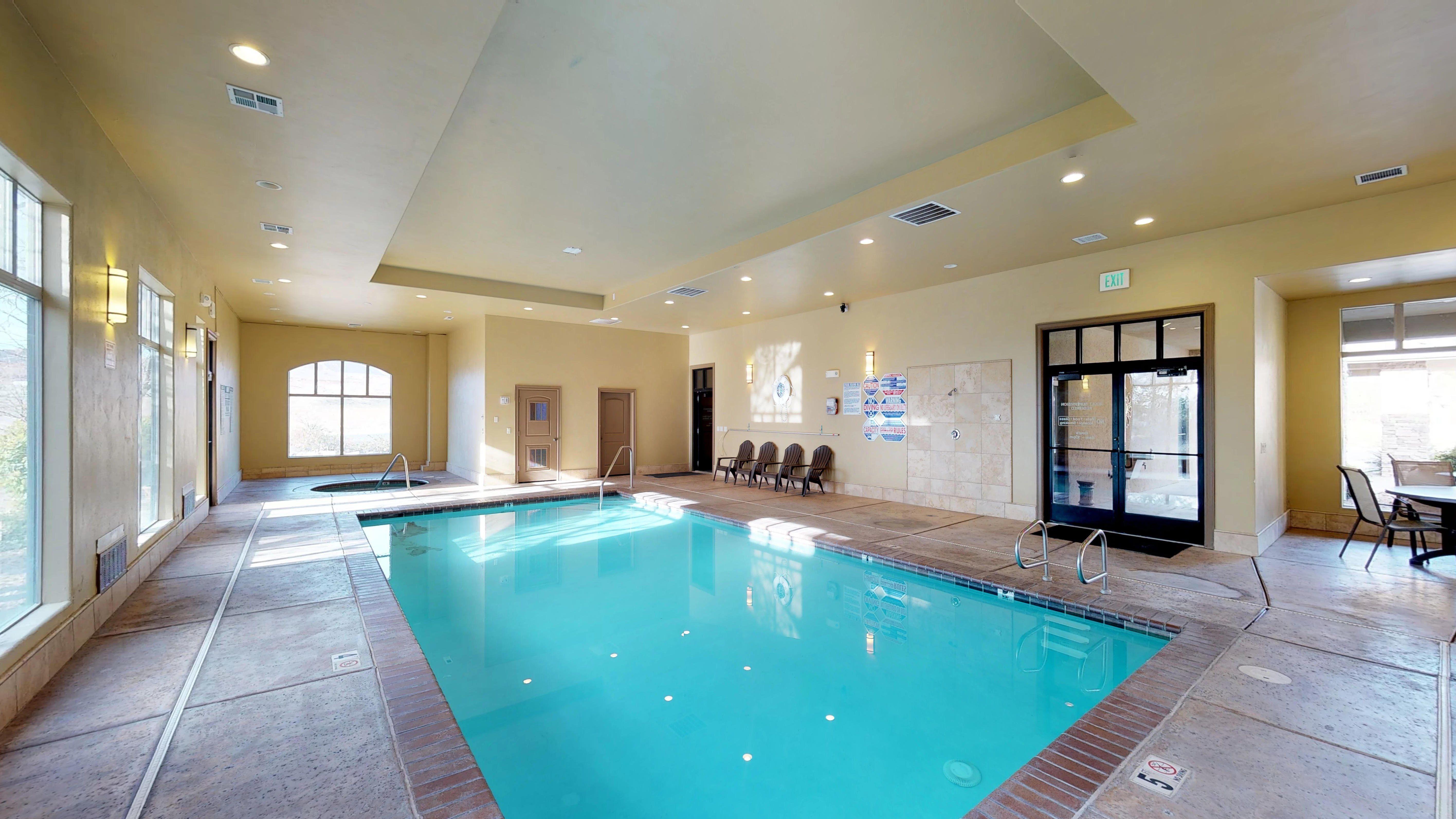 Indoor Outdoor Pool Vacation Rental Resort Indoor Outdoor Pool Pools Vacation Outdoor Pool