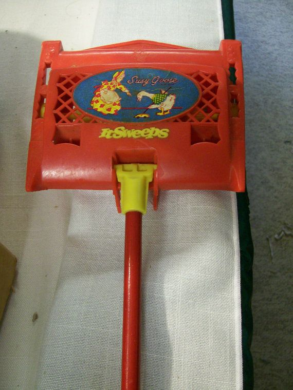 Vintage Childs Toy Carpet Sweeper From Susy Goose Toys