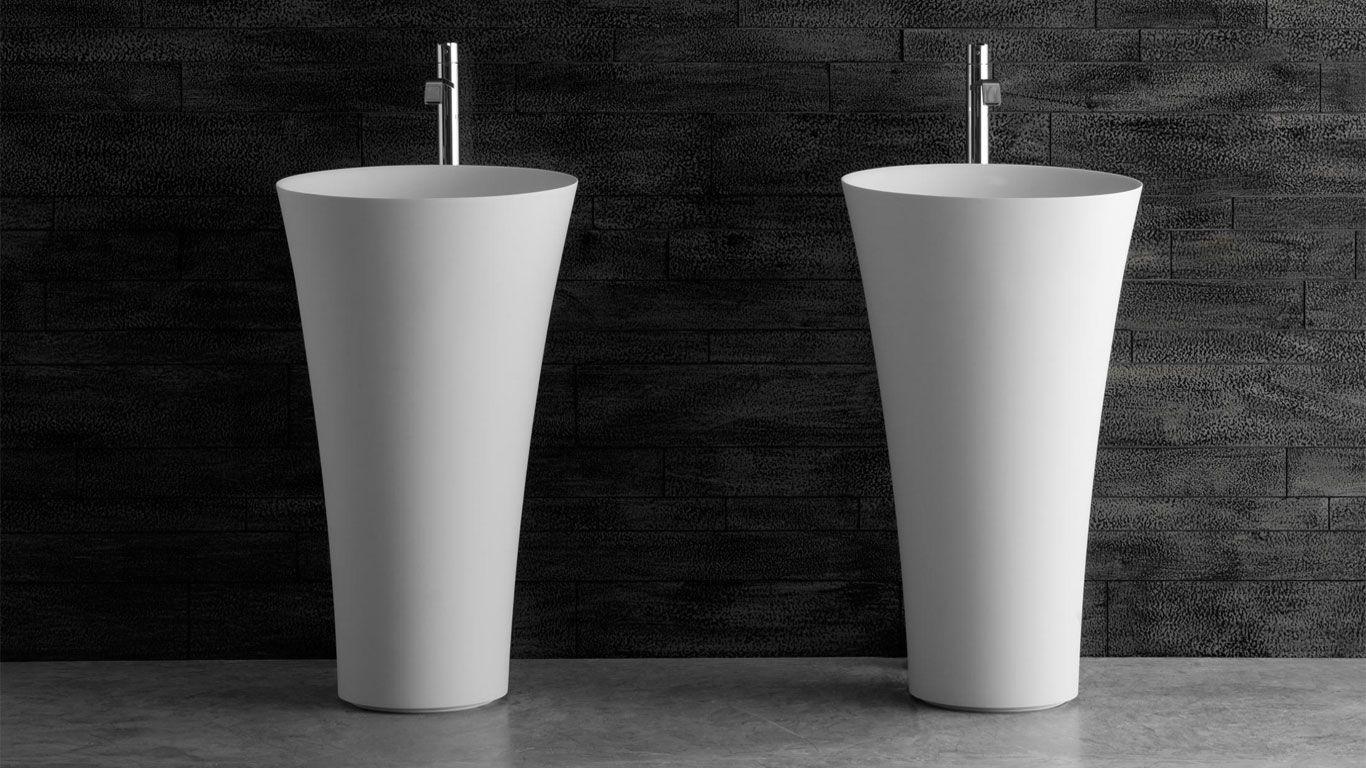 lavabo a colonna in materiale corian bianco arredobagno