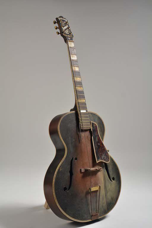 C 1932 Epiphone Masterbilt De Luxe Feb 27 2016 Guernsey S In Ny Vintage Guitars Epiphone Guitar