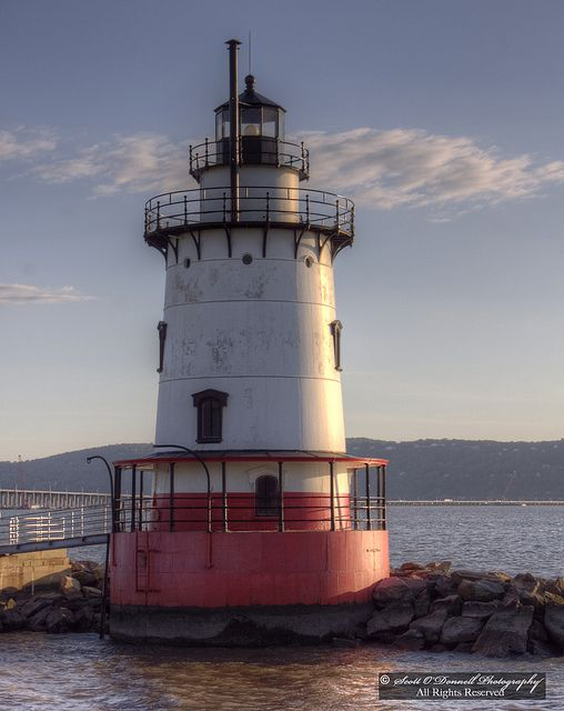 Lighthouse at Sleepy Hollow on the Hudson River