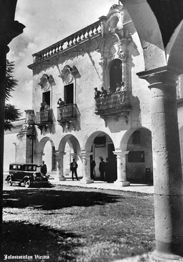 Primeros autos en Jalostotitlan Jalisco Mexico ... 3 ... fuera de Presidencia Municipal