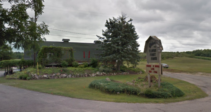 There's A Bakery On This Beautiful Farm Near Detroit And