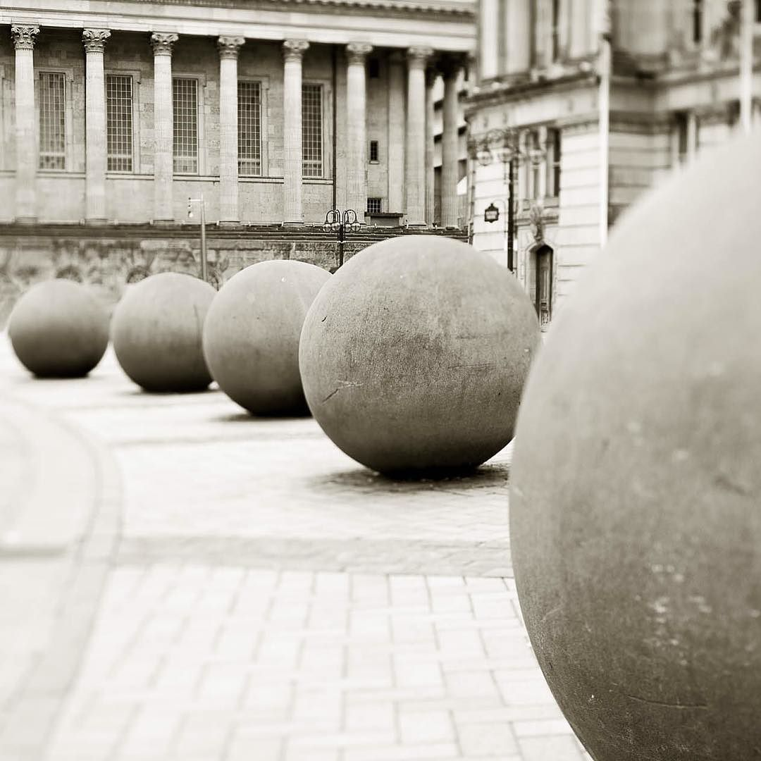Some tilt/shift action. #nikkor #VisitBirmingham #victoriasquare #tiltshift #bigballs