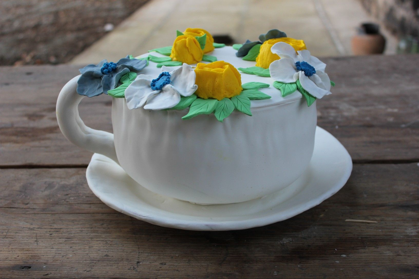 Cake Cup filled with flowers