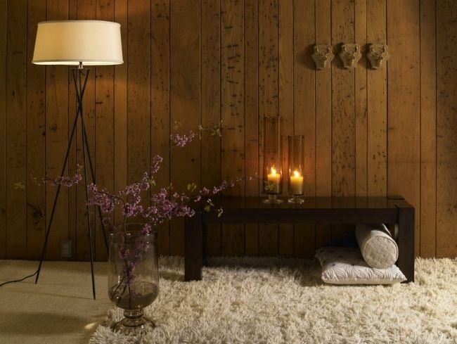 kerzenlicht holz wanddeko gemütlichkeit zu hause weicher teppich ...