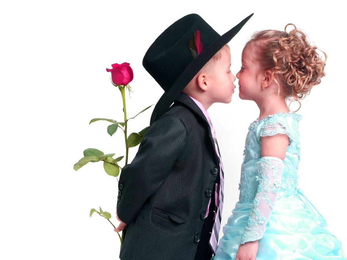 Cute Baby Kiss Hd Wallpapers Kiss Day Love Kiss Baby Love