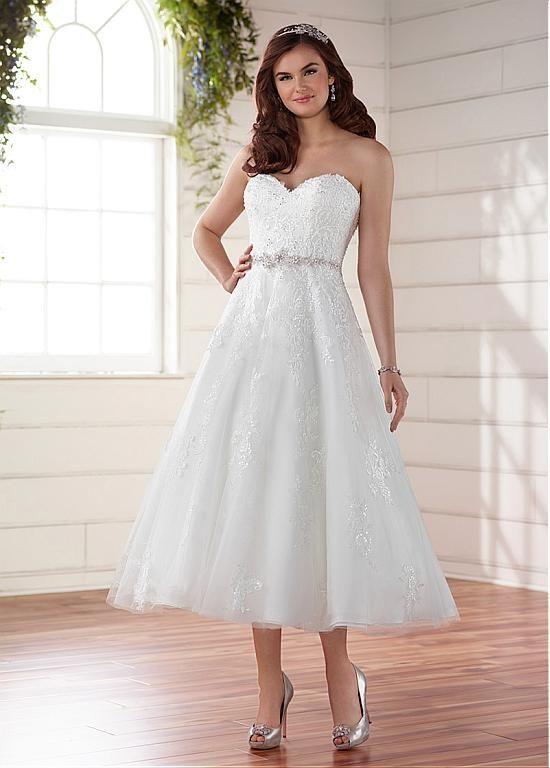 Romantic Tulle Sweetheart Neckline Tea-length A-Line Wedding Dresses With Lace Appliques & Sequins