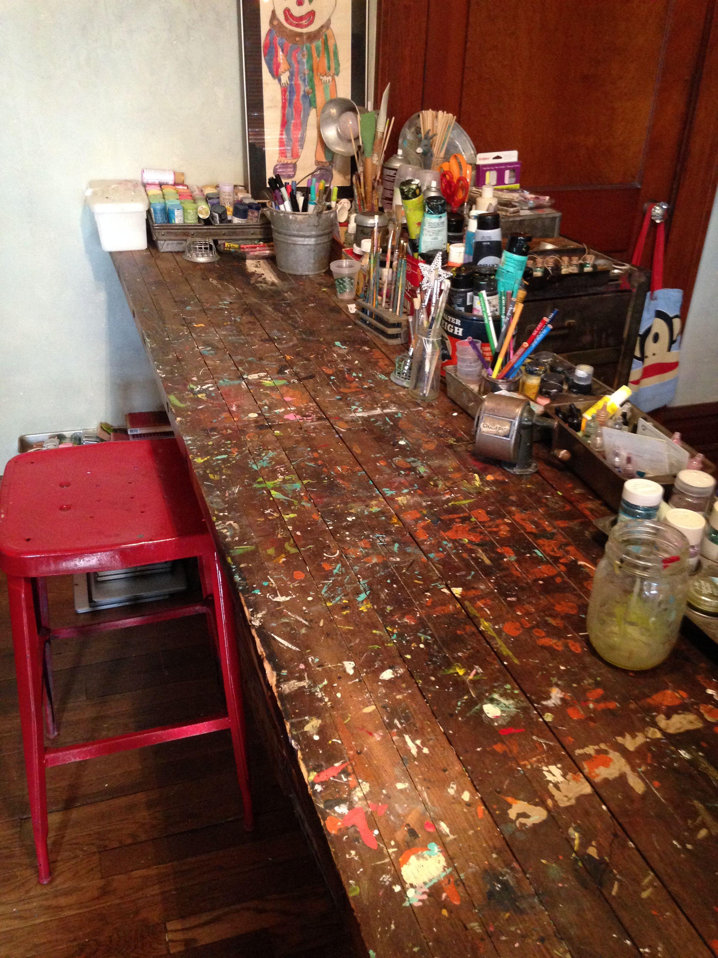 my beloved art table <3