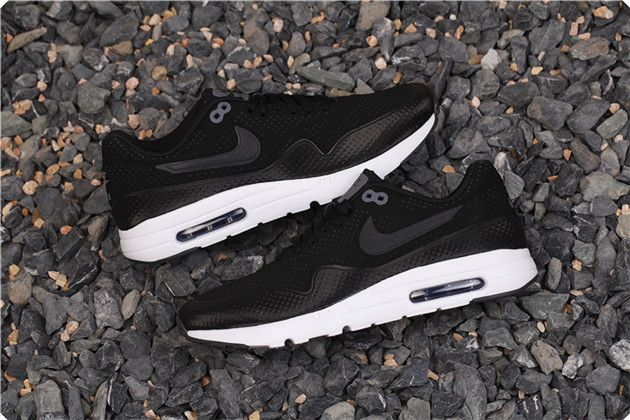 NIKE AIR MAX 1 ULTRA MOIRE 3M BLACK WHITE 724390 010 $158