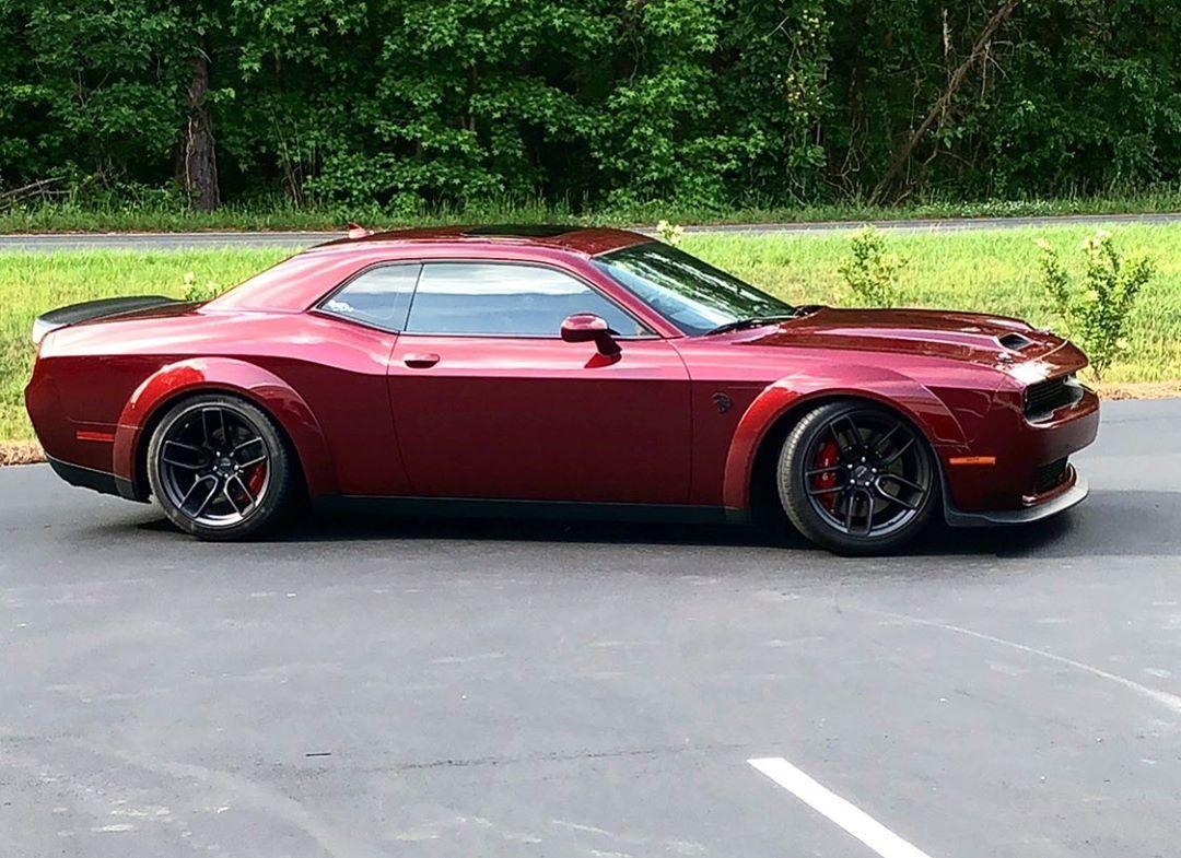 Обои Red, street, body, car, rear, wide, dodge, challenger, stance. Автомобили foto 13