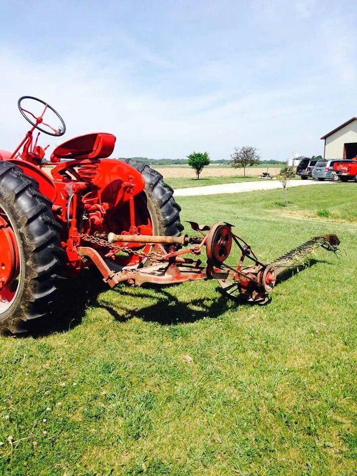 Tractor Antique International Parts Harvester