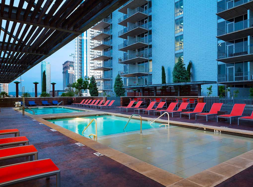 Resort Style Pool At AMLI On 2nd, Luxury Downtown Austin, TX Apartments.