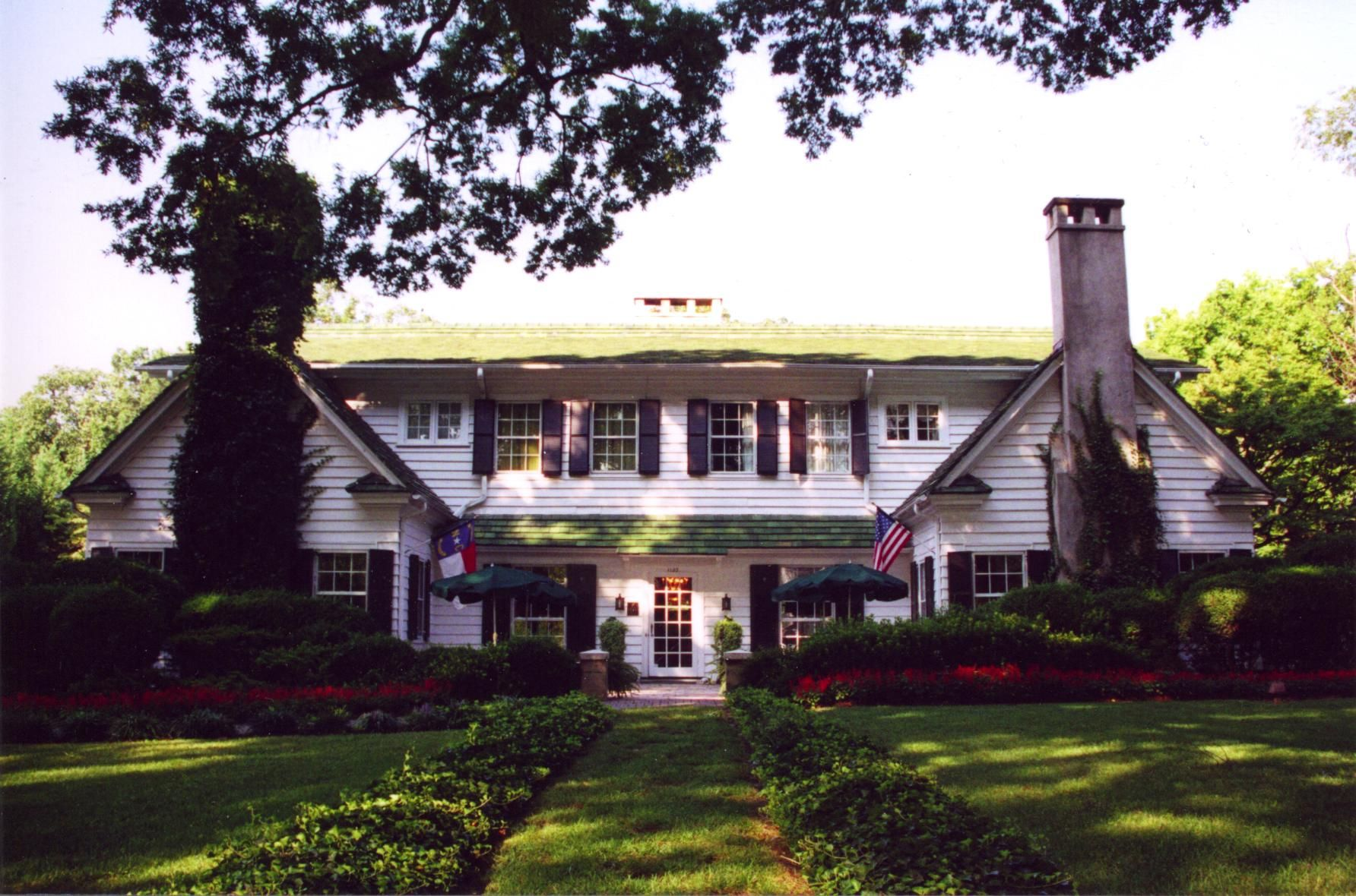 the front of the morehead inn bed and breakfast in charlotte