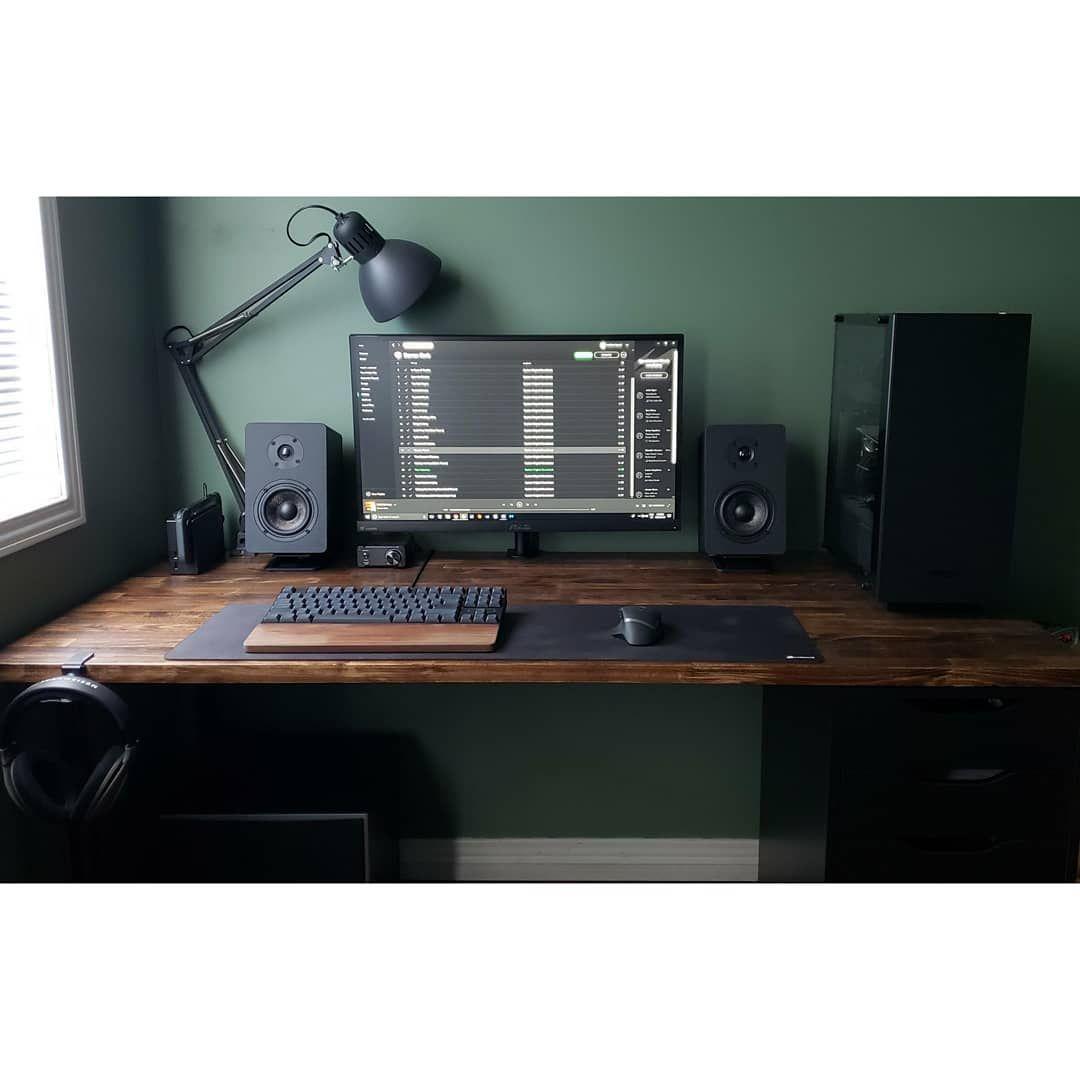 The 9 Best Computer Desks Of 2020 Computer Desk Setup Desk