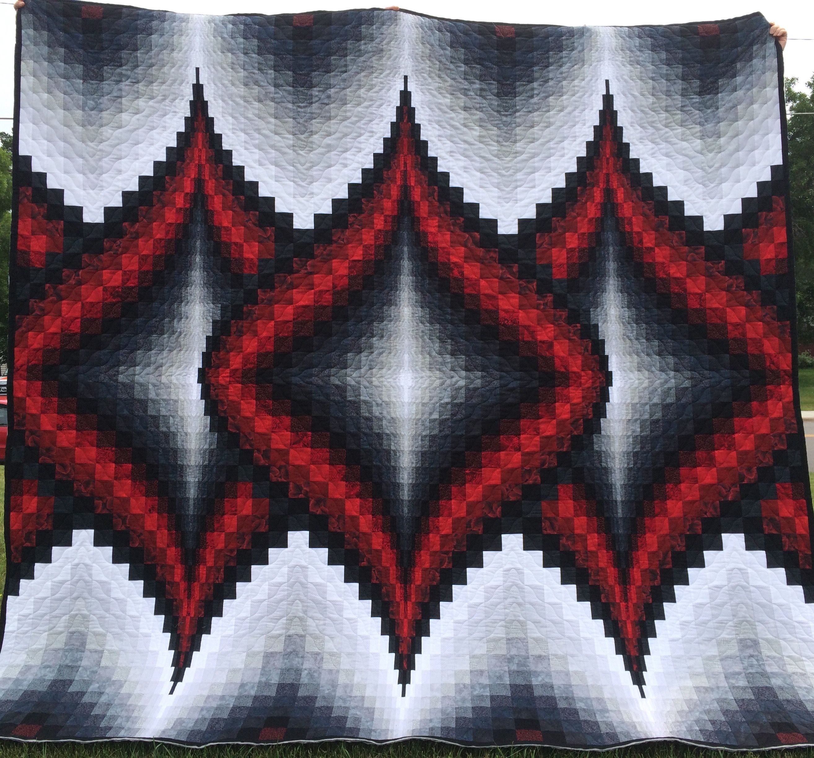Pieced and quilted by Edna Trunt. Pattern is Argyle from the book More Twists and Turn Bargello Quilts by Eileen Wright.