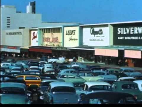 Motoring Through La In The Early 1950s One S Shocked To See Freeways That Are Wide Open Streetcars Ev Los Angeles History California History Los Angeles Area