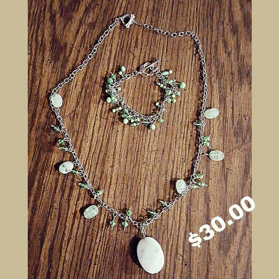 Beautiful handmade jewelry for sale message me to order m