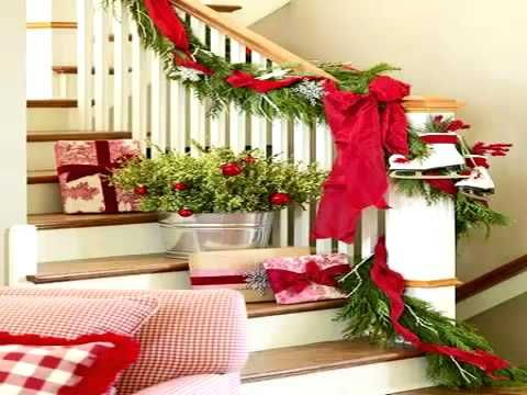 Decorating banisters for christmas holiday decorating - How to decorate stairs for christmas ...