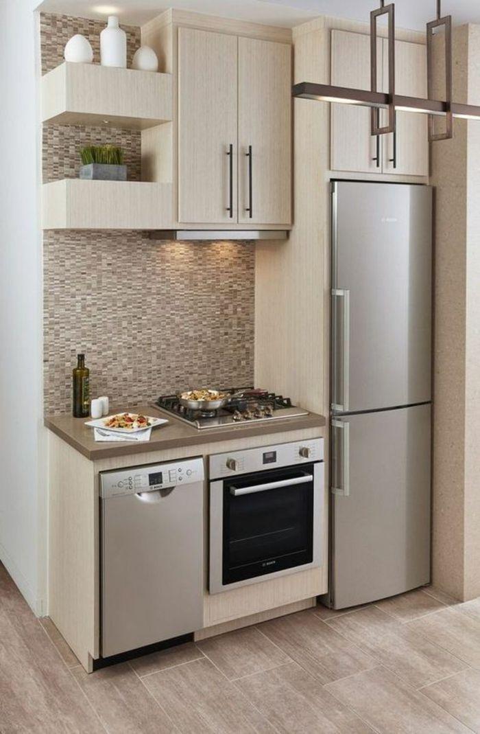 petite cuisine équipée, cuisine ouverte sur salon, parquet PVC en ...
