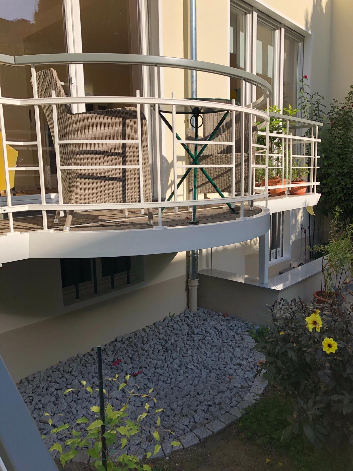 Stahlbalkon Mit Megawood Terrassendielen Aus Wpc Pflegeleicht