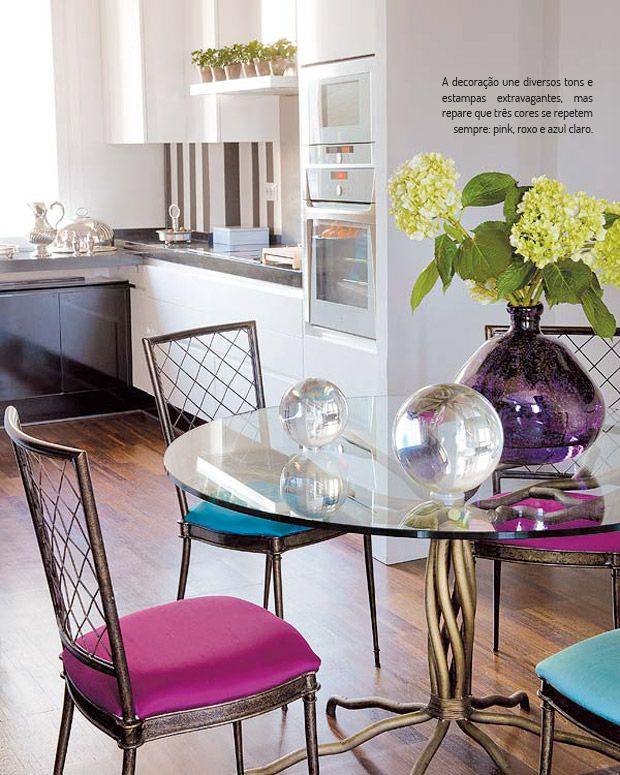 Clássico na medida certa. Veja mais: http://www.casadevalentina.com.br/blog/materia/cl-ssico-na-medida.html #decor #decoracao #interior #design #details #detalhes #home #casa #style #estilo #classic #classico #kitchen #cozinha #casadevalentina