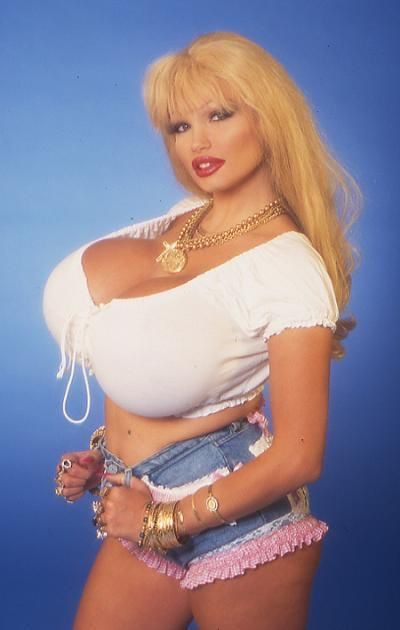 Busty blond bimbo galleries images 714