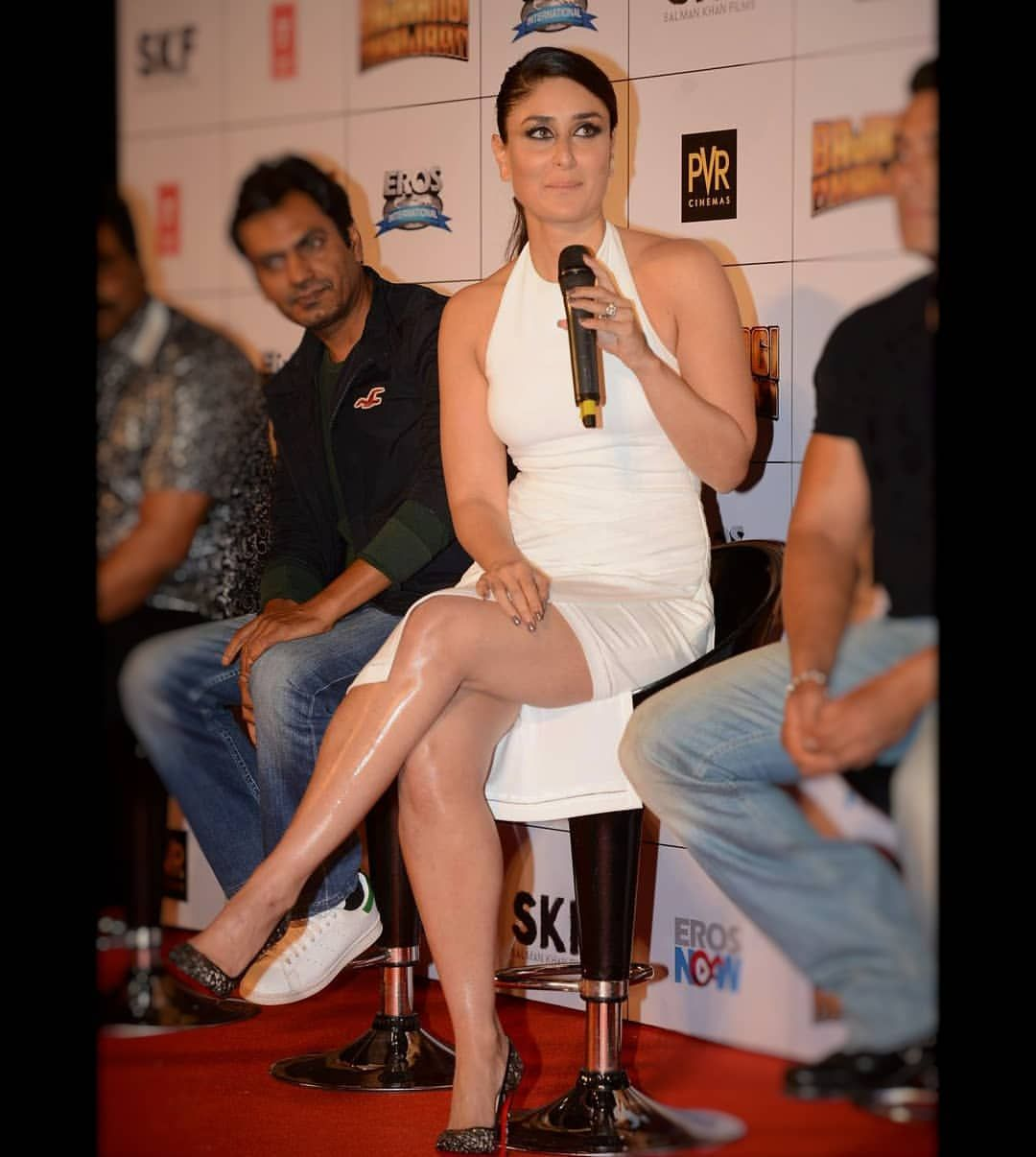 Milky Milky Bollywood Actress Kareenakapoor Kareenakapoorkhan Jacquelinefernande Bollywood Actress Hot Photos Bollywood Girls Indian Bollywood Actress
