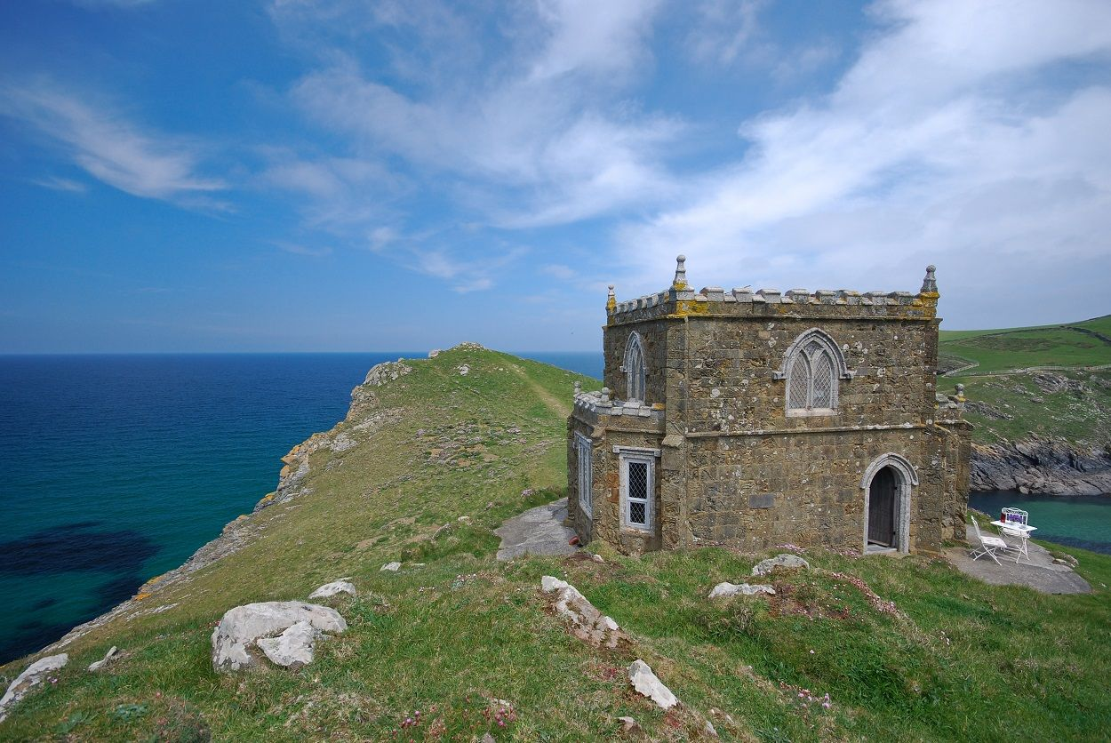 Doyden Castle near Port Quin in Cornwall: This special place It offers coastal views in every direction and can be found just four miles from the popular beaches of Rock, Polzeath and Port Isaac. ©Mike Henton