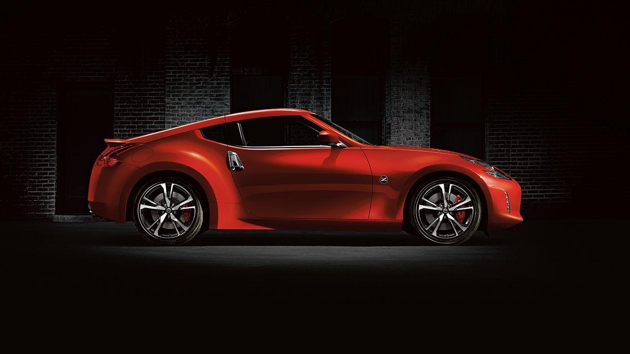Side Profile Of A Red 2018 Nissan 370z Coupe Nissan 370z Nissan Nissan Z370