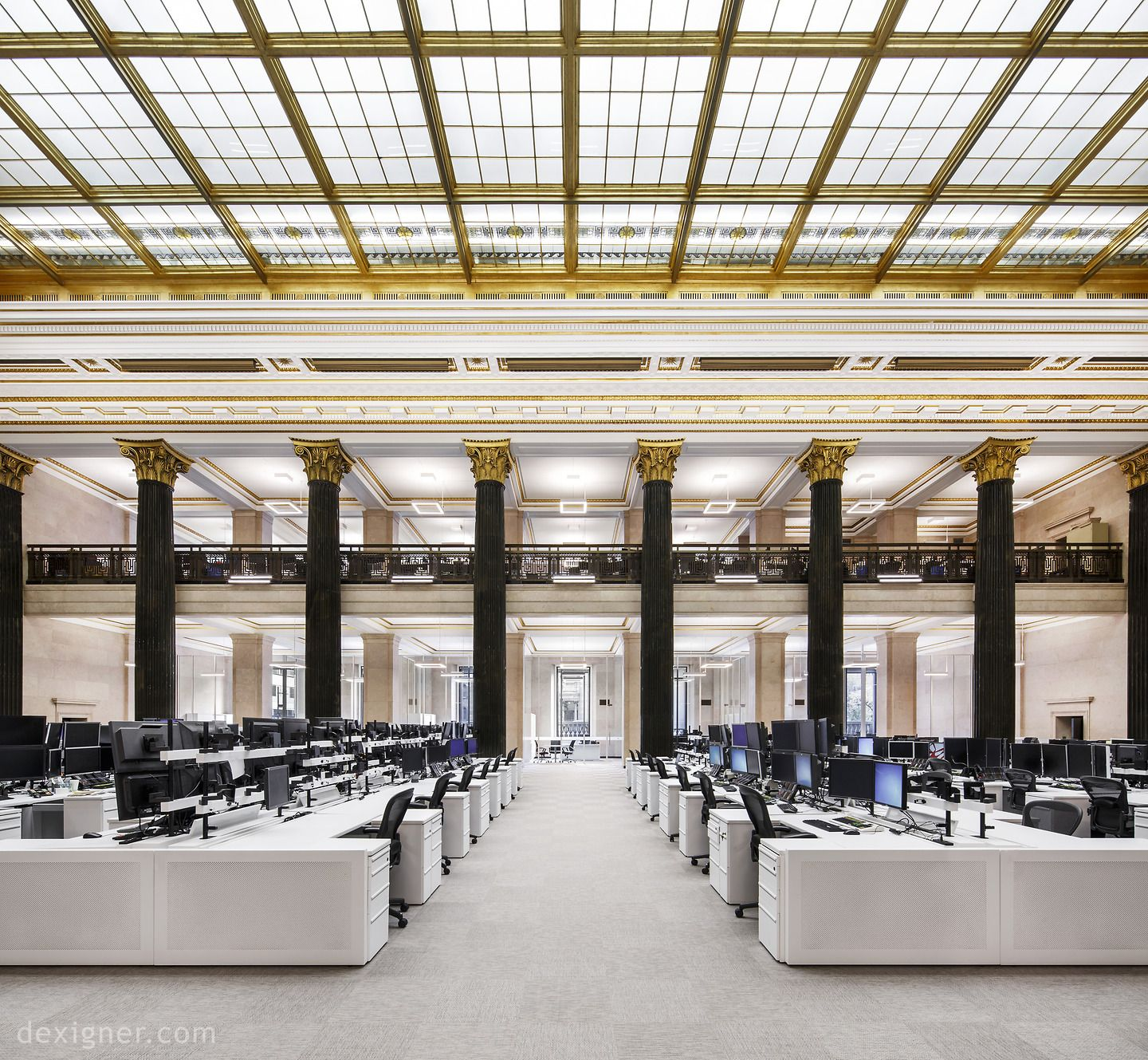 National Bank Of Canada S New Montreal Trading Floor By Architecture49 Traditional Skylights Home Office Layouts Work Office Decor