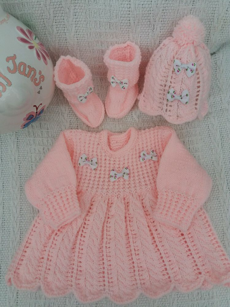 f89aeee89 Hand Knitted Baby Girl Outfit to fiy age 0-3 months old