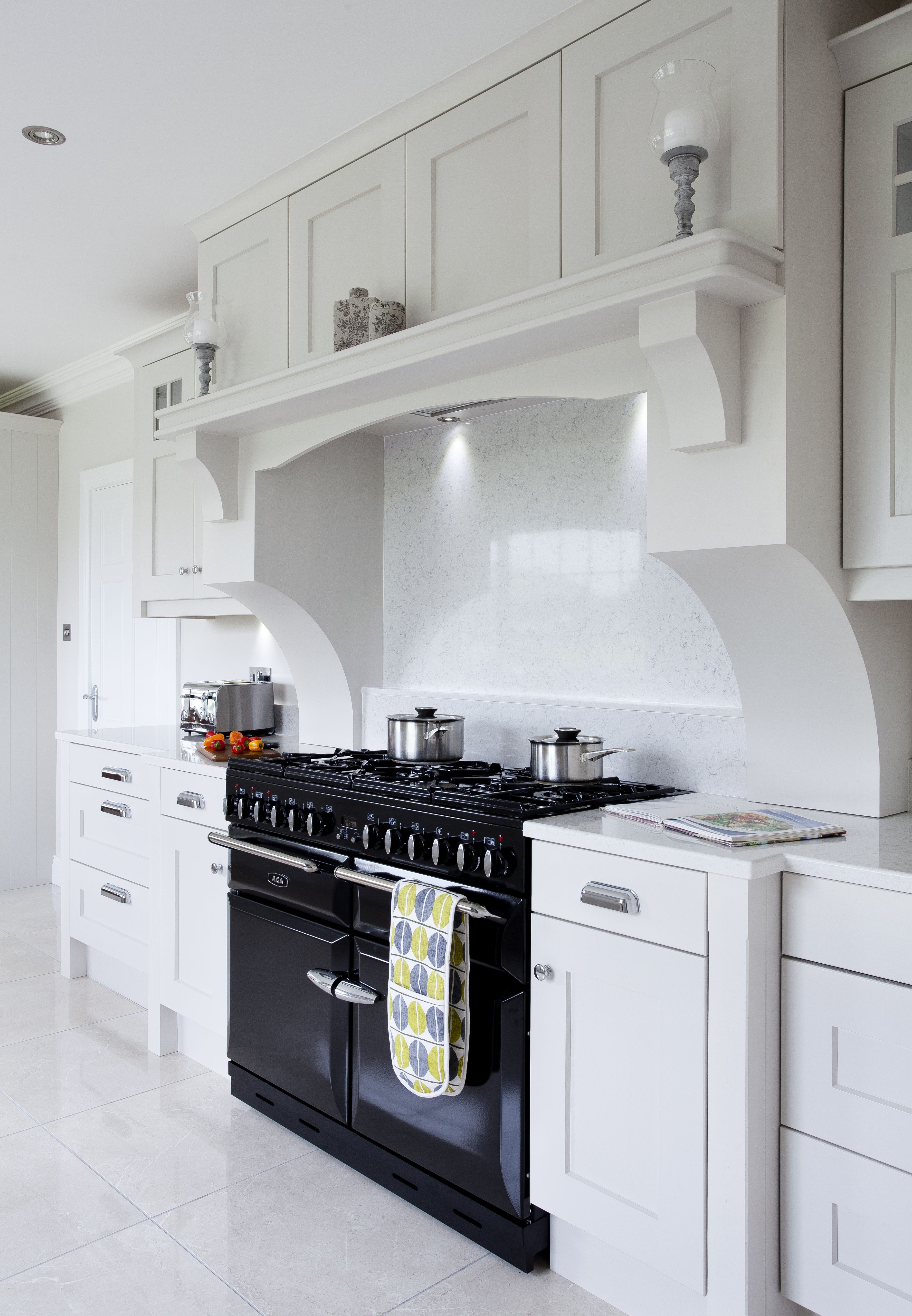 This Bespoke Over Mantle By Dorans Kitchen Home Frames The Range Cooker And Creates An Elegant Contrast Kitchen Cooker Kitchen Mantle Kitchen Design