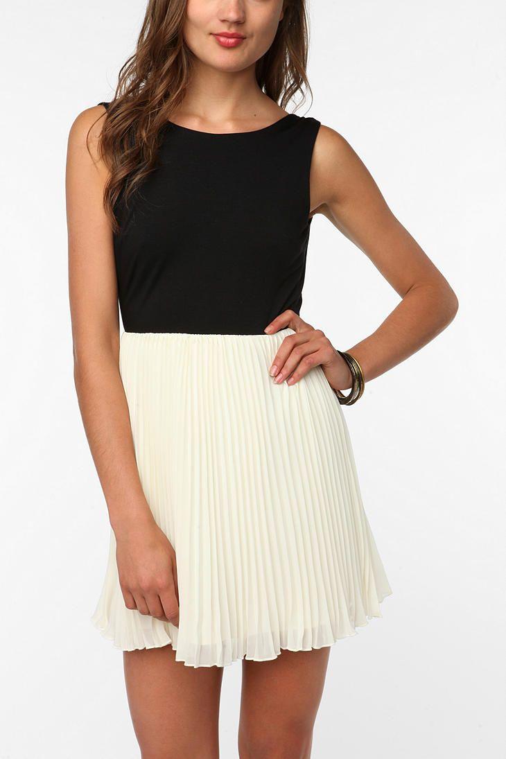 KNT By Kova & T Sleeveless Windsor Dress