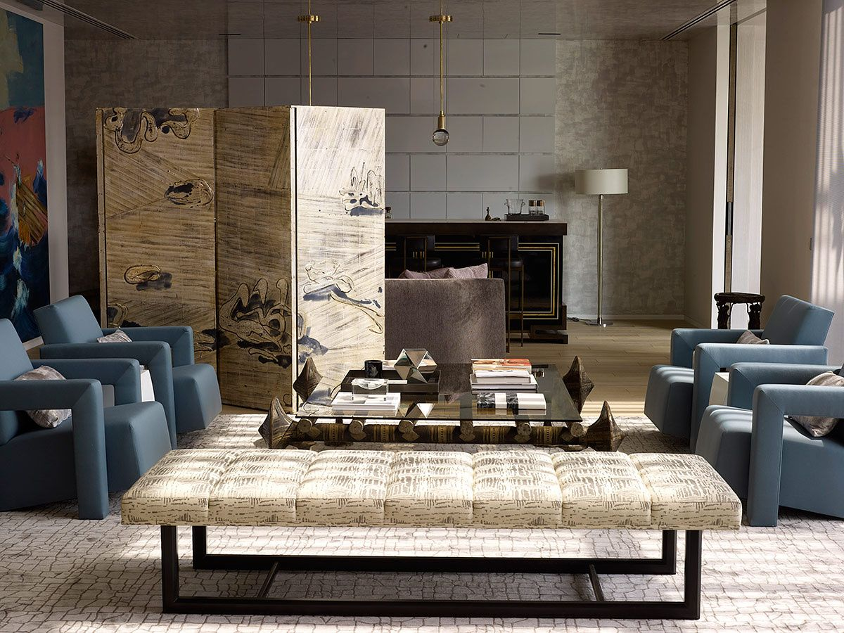 En la sala, el biombo es de Nancy Lorenz y la alfombra de Beauvais.   Galería de fotos 2 de 9   AD MX