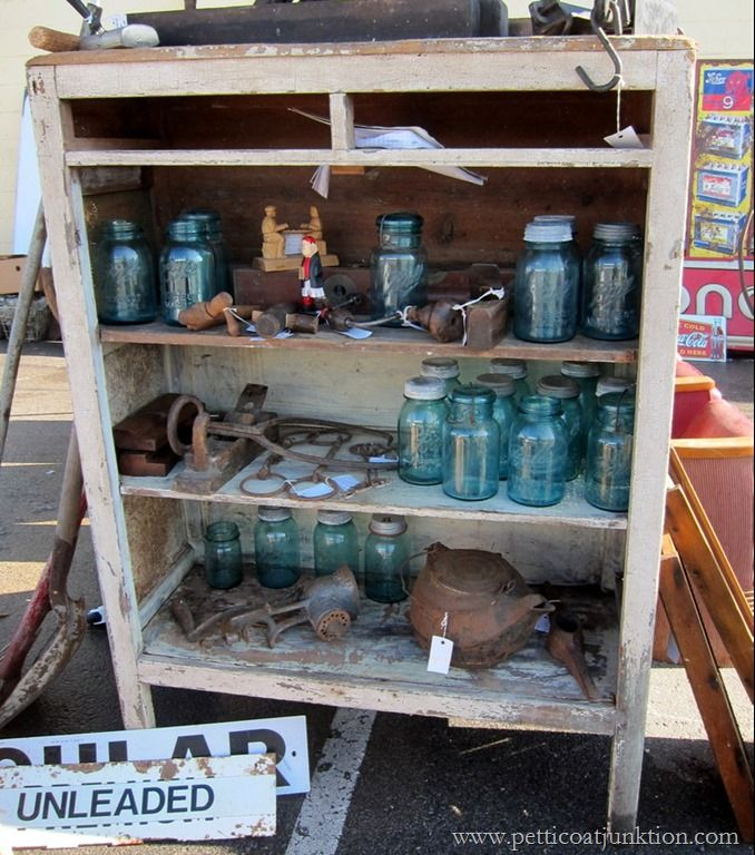 vintage blue jars  Nashville Flea Market Petticoat Junktion shopping trip #nashvillefleamarket