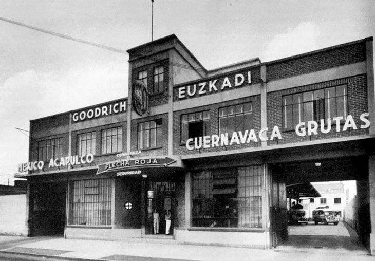 Terminal Flecha Roja en San Antonio Abad, años 50s. (con