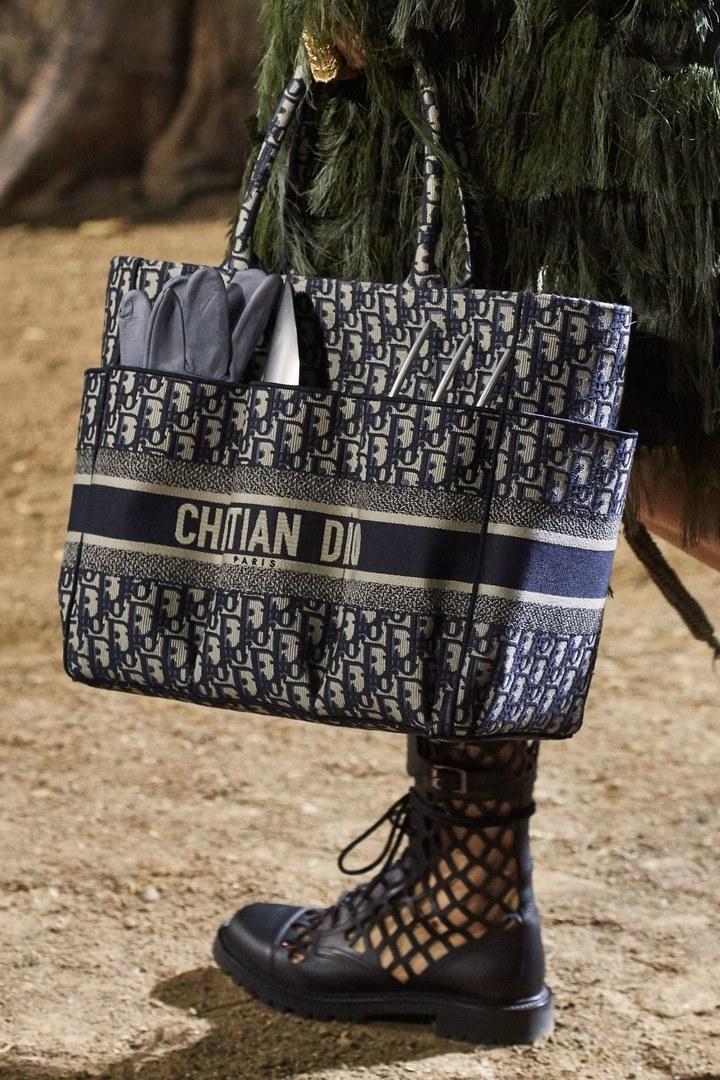 Sherlock Holmes Supervisar Rechazado  Christian Dior Primavera Verano 2020 Pret-A-Porter - Detalles | Vogue  España | Dior, Primavera verano, Christian dior