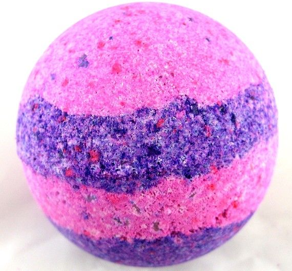 Mixed Feelings  Mixed Berries Bath Bomb by TrickyFishCo on Etsy.