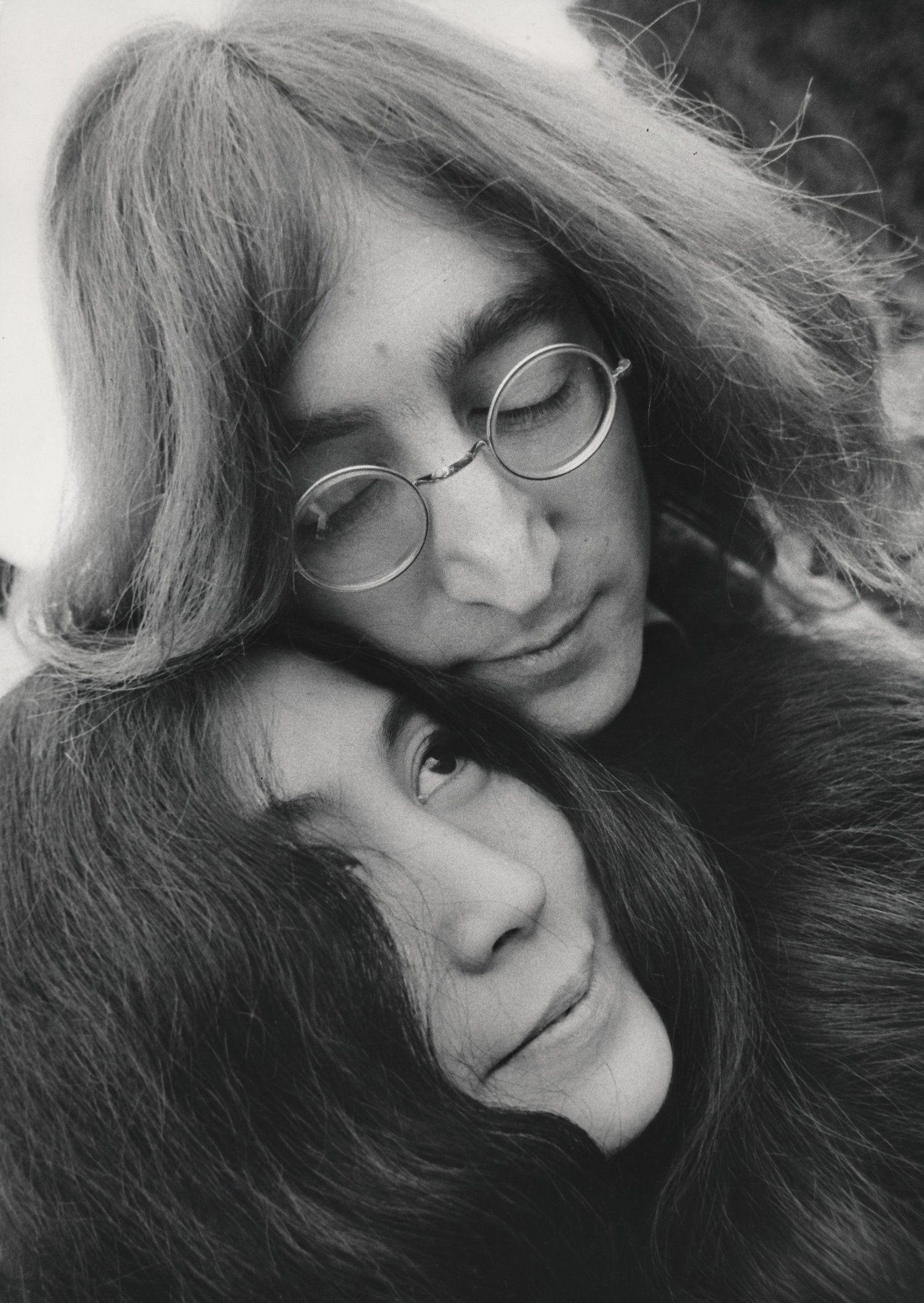 Ray Green - John Lennon and Yoko Ono: Lovers Fine Art Print