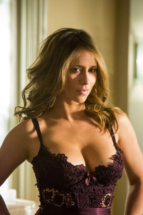 Hewitt sexy photos Jennifer love