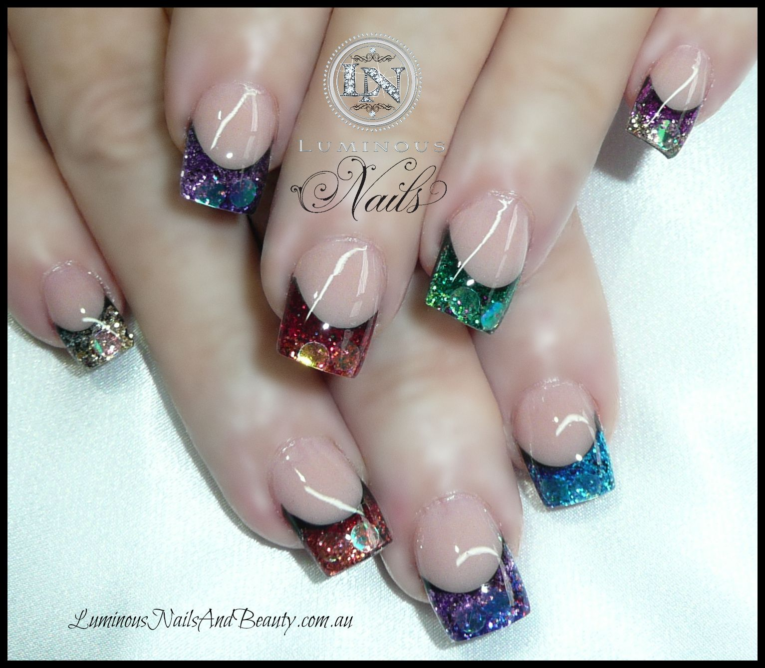 Glitter, color French manicure