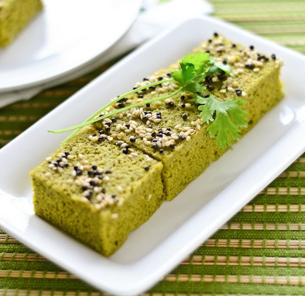 Gujarati palak dhokla recipe steamed spinach lentil cakes recipe gujarati palak dhokla recipe steamed spinach lentil cakes indian vegetarian recipesindian food forumfinder Choice Image