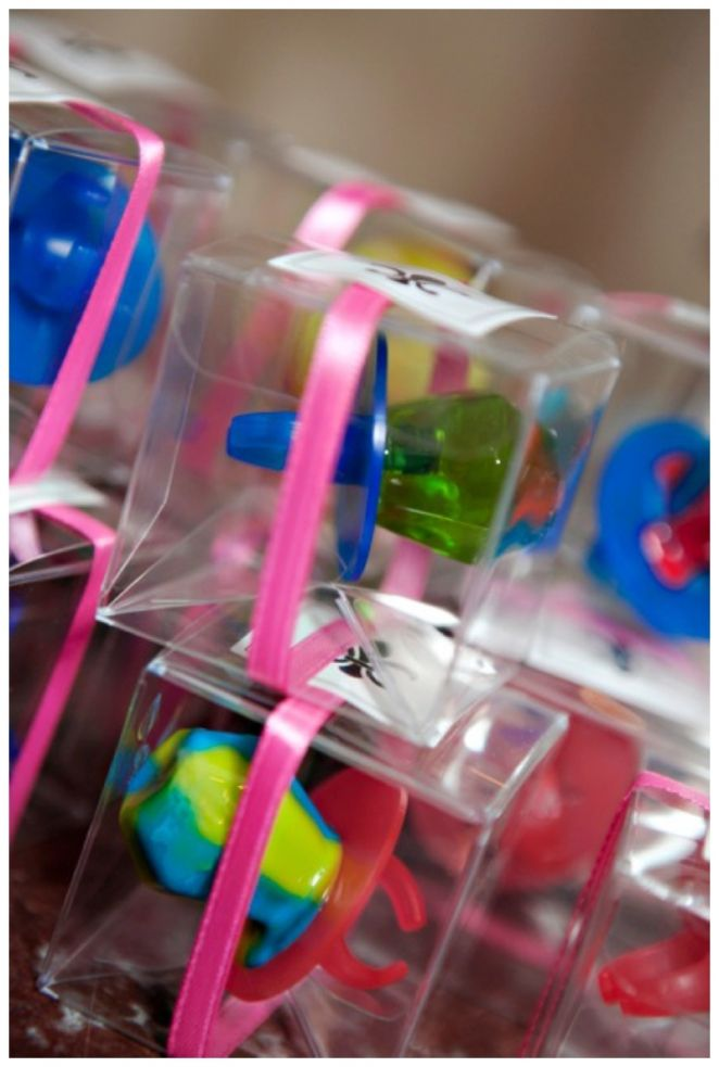 planning a bridal shower check out this colorful ring pop party favor idea adorable esp for little girls that are invited
